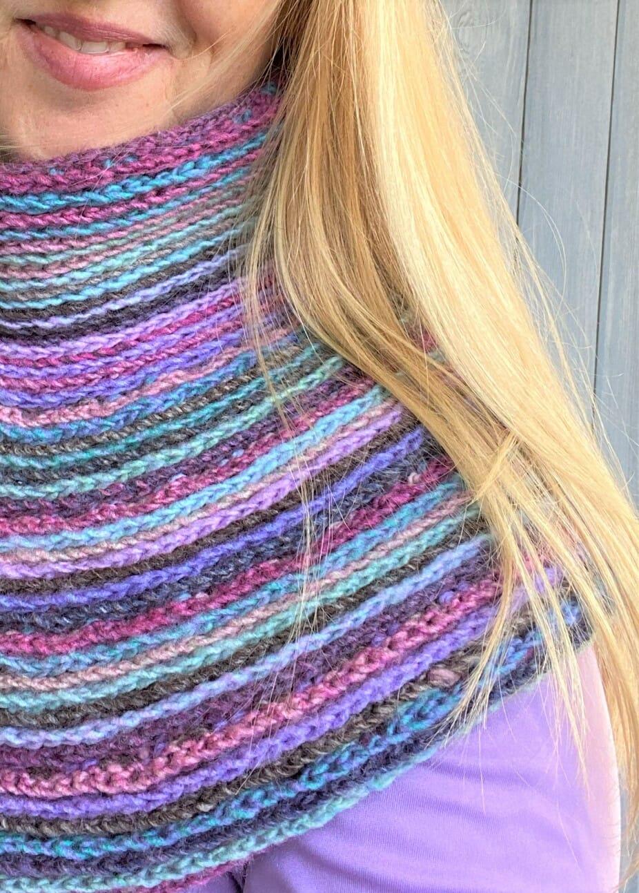 Inspira Crochet Reversible Cowl